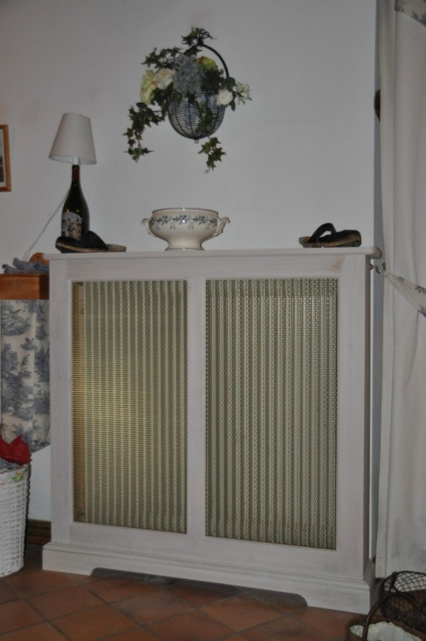 habillage radiateur fonte amazing fleuri radiateur fonte chauffage decor with habillage. Black Bedroom Furniture Sets. Home Design Ideas